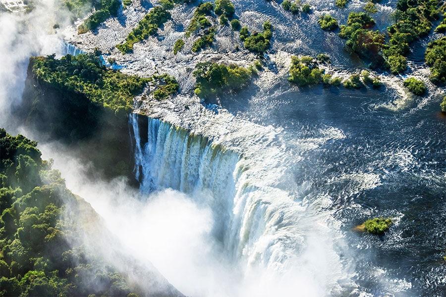 victoria-falls-simbabwe-sambesi